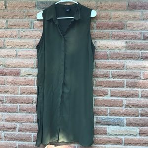 Long green button down tunic with a collar